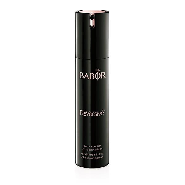 Babor ReVersive Pro Youth Cream Rich er en meget effektiv rik ansiktskrem for å oppnå en ungdommelig utstråling og en umiddelbart jevn og vitalisert hudfarge. Huden virker fuktig og glattere og ser ut med en raffinert, strålende struktur.