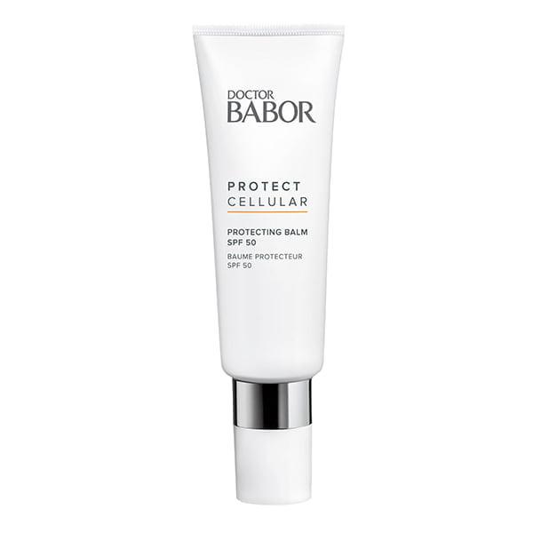 Doctor Babor Protect Cellular Protecting Balm SPF 50 blir raskt absorbert uten å bli klebrig og i tillegg til de aktive Protect Cellular Signature-aktive ingrediensene, inneholder den et kompleks av beta-glucan og panthenol, som gir intens beroligende og fornyende hud.