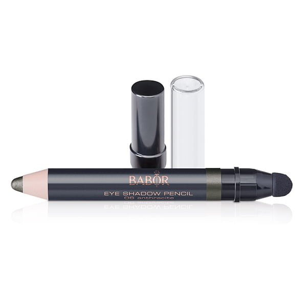 Babor AGE ID Eye Shadow Pencil i 6 farger er en vanntett, ekstremt langvarig multifunksjonell øyenskygge blyant som gjør det super enkelt å skissere øyeområdet, både over øyet og under øyet.
