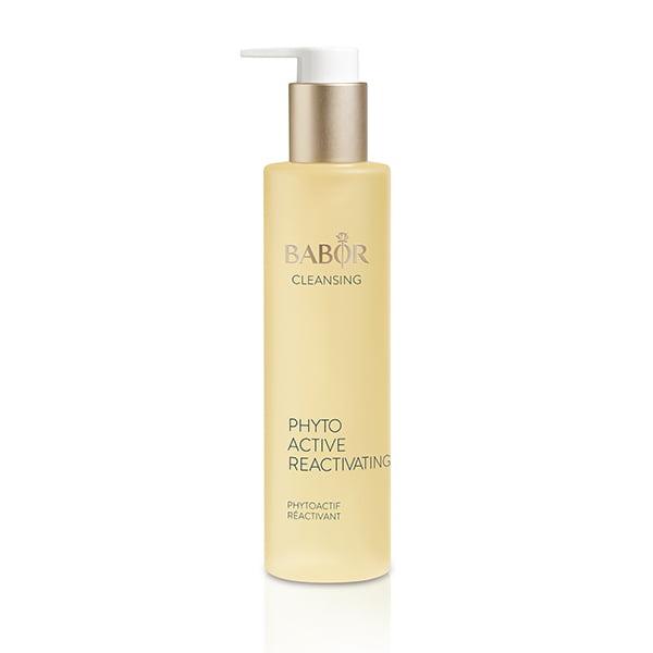 Babor Cleansing Phytoactive Reactivating er laget med urteessenser skreddersydd for krevende hudtyper og er designet for å friske opp huden og gi den utstråling.
