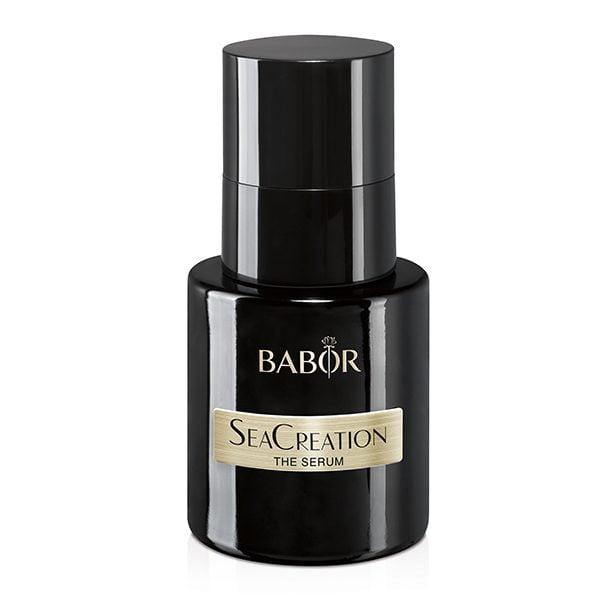 Babor SeaCreation The Serum er et luksuriøst aktivt aldringskonsentrat for alle hudtyper. SeaCreation beskytter mot for tidlig aldring av huden. Huden virker fastere, glattere og ungdommelig frisk.