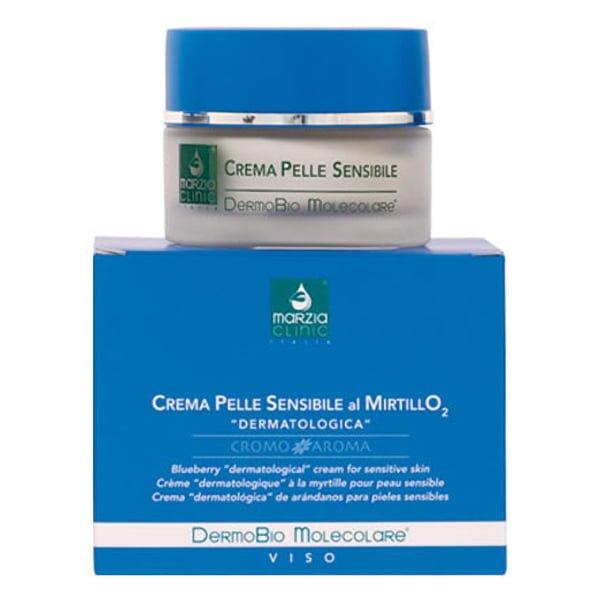 Marzia Clinic Blueberry Cream for Sensitive Skin med DermoBio Molecolare® og beriket med blåbærekstrakt og oksygenstimulerende molekylkompleks bekjemper kapillær skjørhet og opprettholder huden elastisk. Blåbær er ekstremt rik på vitamin P, flavonoider, antocyanosider og kraftige antioksidanter.