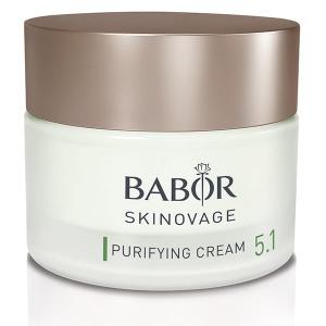 Babor Skinovage Purifying Cream klargjør og balanserer fet, uren hud. Fet, uren hud er preget av et forhøyet nivå av lipider på overflaten, forårsaket av overdreven sebaceøs kjertelaktivitet. Huden har ofte store porer, er skinnende og har en tendens til økt herding av de øvre corneocytter, noe som resulterer i hudormer og hudtilstander som kviser. Huden virker renere og mer balansert.