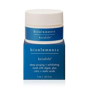 Bioelements Corrective Treatment Masks + Exfoliators Kerafole er dyprensende maske og en enzymepeeling og inneholder eple- og sitrussyrer som vil løse opp tilstoppede porer og fuktighetgivende alger som mykgjør huden.