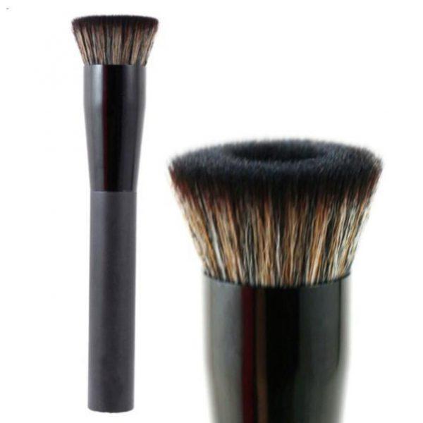 Babor Age ID Premium Foundation Brush er en høy kvalitet, håndlaget premium kost som egner seg ypperlig til flytende foundation – kvalitetssikret og anbefalt av norske makeupartister.