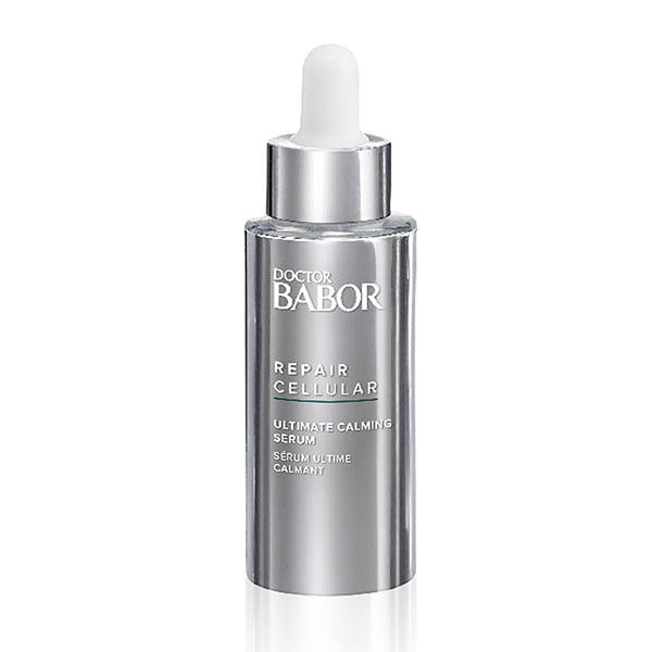 Doctor Babor Repair Cellular Ultimate Calming Serum er ideell for å beroliggjøre hud som er stresset på grunn av mangel på søvn, luftkondisjonering, eksponering for sollys, røyk eller miljøbelastende stress, noe som resulterer i at huden blir roligere og virker naturlig balansert.