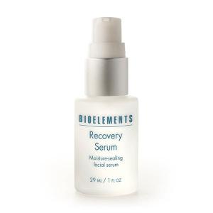 Bioelements Problem Solvers Recovery Serum er et fuktighetsforseglende serum med ultra-beroligende keramider og bløtgjøringsmidler for hud som er tørr, synlig aldrende og overfoliert. Bløtgjørende smøremidler forbedrer fuktighet og tekstur. Makeup glir på. Huden og hår sitter igjen med en eksepsjonell finish.