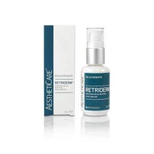 Retriderm Serum 0.5% er et avansert og klinisk bevist vitamin A-serum som synlig og fysisk forynger alderende hud. 0,5% Retinolserum er ideelt for de med sensitiv hud eller de med mindre fotoskader. Retinol er en kraftig, klinisk bevist hudpleieingrediens. Det er viktig å akklimatisere huden ved å bruke Retriderm Serum (0,5%) annenhver kveld den første uken eller to, før den brukes hver kveld.