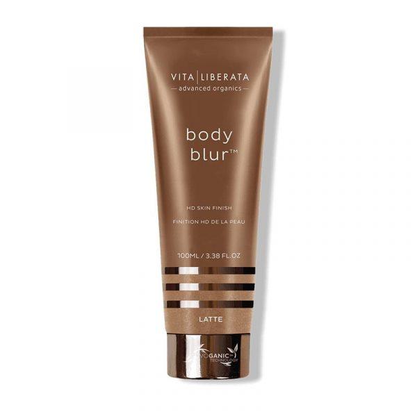Vita Liberata Body Blur Latte er den ultimate hudfinishen som umiddelbart etterlater huden feilfri og glødende.